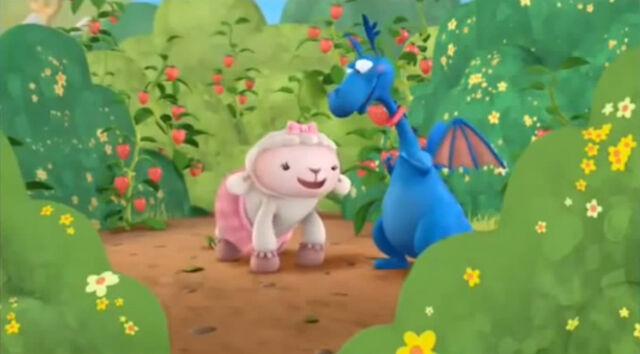 File:Lambie and stuffy3.jpg