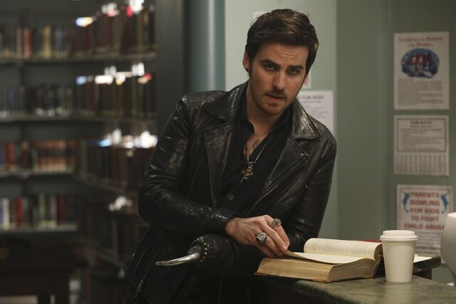 File:Once Upon a Time - 6x09 - Changelings - Photography - Hook.jpg