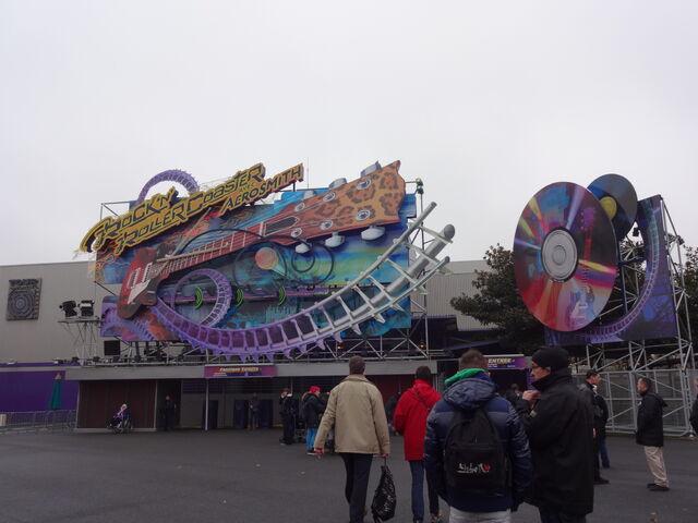 File:Rock 'n' Roller Coaster avec Aerosmith.jpg