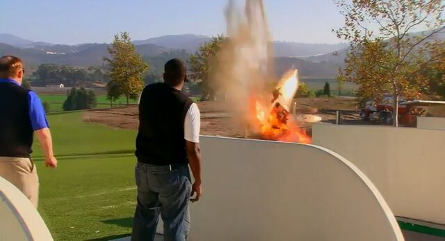 File:Golf and Gas.jpg