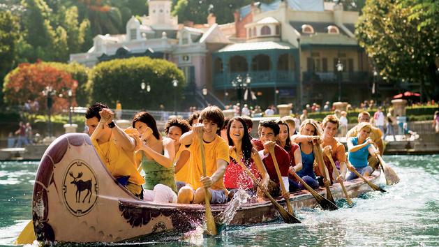 File:Davy Crockett's Explorer Canoes (DL).jpeg