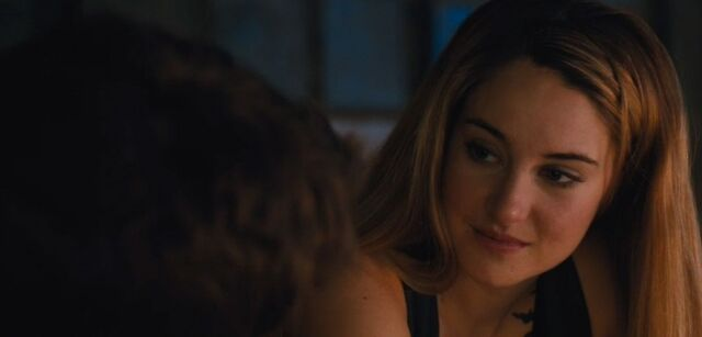 File:Shailene-woodley-theo-james-kiss-in-new-divergent-clip-05.jpg