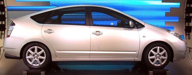 File:Toyota Prius side.jpg