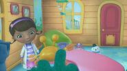 Hermie inside the fishtank2
