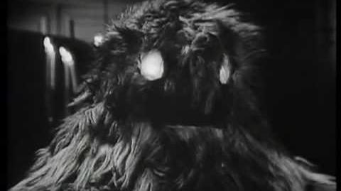 Yeti attack! - The Web of Fear - Doctor Who - BBC