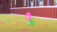 640px-Gummy opens wide to catch the balloon S1E25