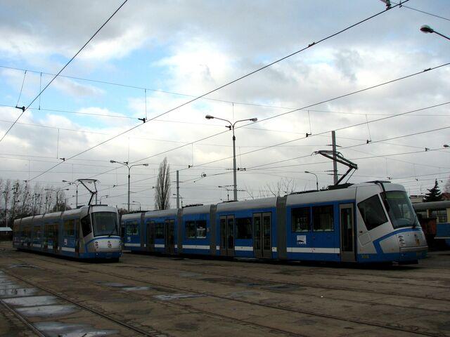 Plik:16T Wroclaw 3001 3002.jpg
