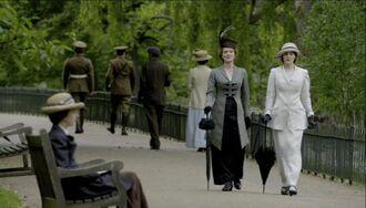 Downton-Abbey-7-Rosemund-Mary-1-