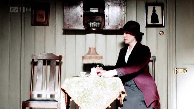 File:Downtonabbey2x01-4.png