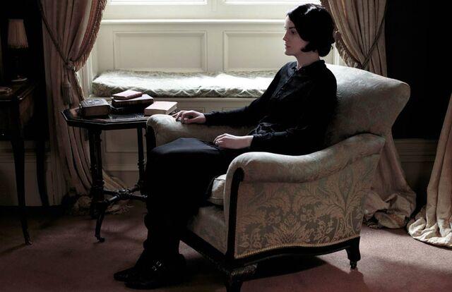 File:Lady-Mary-Crawley-3--a.jpg