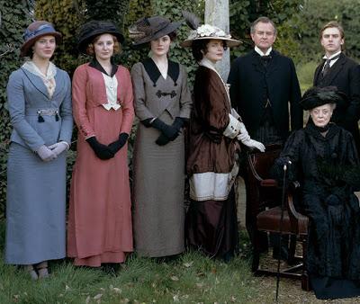 File:Downton Abbey Crawley-Family-1-.jpg