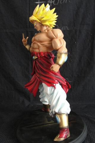 File:Broly resin 14inch statue g.JPG