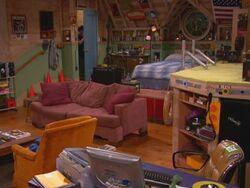 Drake and Josh room