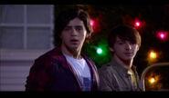 Merry-christmas-drake-and-josh-14