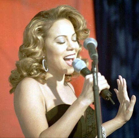 File:Mariah Carey13 Edwards Dec 1998.jpg