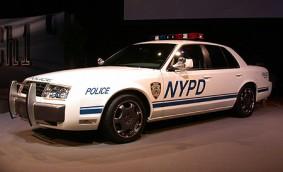 Plik:Ford police interceptor concept - auto shows cd articlesmall.jpg