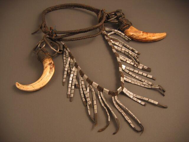 File:Kiribatinecklace.jpg