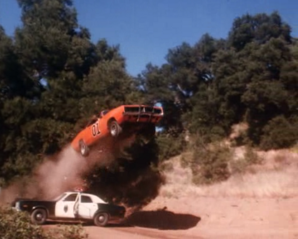 File:General Lee jumping over a state trooper patrol car.png