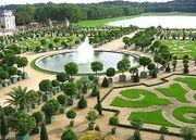 Gardens of Palace-of-Versailles-Paris Wallpaper yvt2