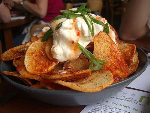 File:Crispy Potato Skins with Sour Cream and Sweet Chilli Sauce - SoulMama.jpg