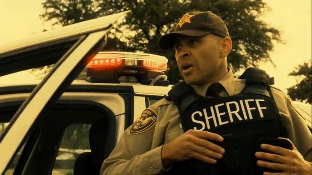 File:Deputy Lyle 1x04.png