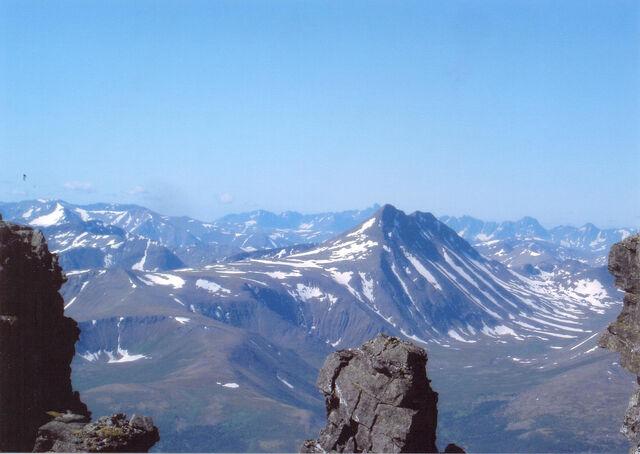 File:Scol Mountains.jpg