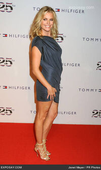 Rebecca-romijn-fashion-week-spring-2011-tommy-xQsYo8