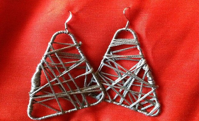 File:String earrings .jpg