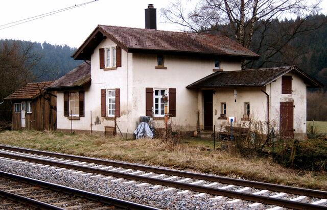 Datei:Bahnwaerterhaus Remsbahn 43 2.jpg