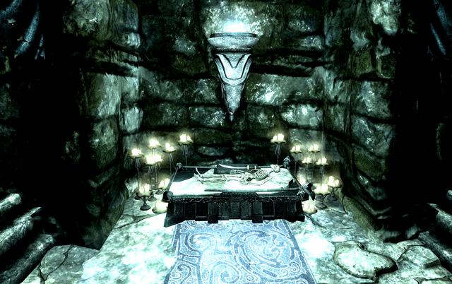 File:Haknir's Bloodscythe.png