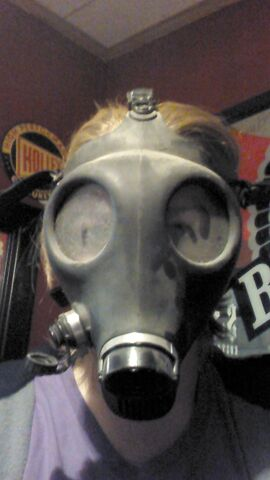 File:Gas mask.jpg
