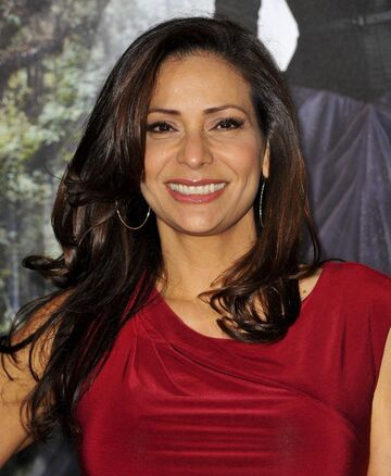 File:800px-Constance Marie.jpg