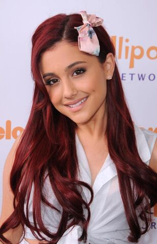 File:Ariana-grande-lollipop-theater-networks-rd-annual-game-day-burbank-may-1450364386.jpg