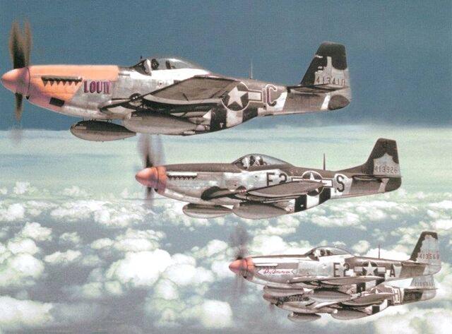 File:P-51 Mustangs.jpg