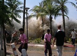 File:250px-2004-tsunami.jpg