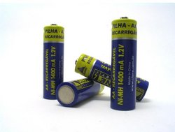250px-Four AA batteries