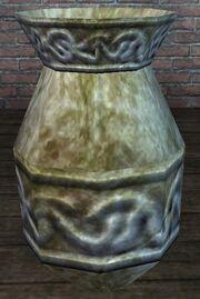 A Ca'Na clay pot (visible)