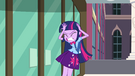 Twilight holds her head in pain EG