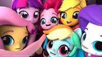 Equestria Girls Minis taking a selfie EGM4