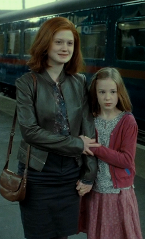 File:Ginny and lily.png