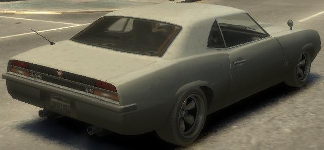 Archivo:Vigero detrás GTA IV.png
