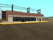 Posible tienda- Gasolinera Come-A-Lot