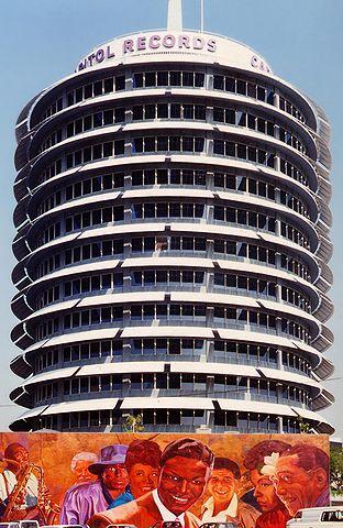 Archivo:Capitol Records Building.jpg