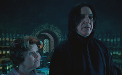 Umbridge y Snape.png