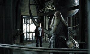 Harry y dumbledore en la torre de astronomia