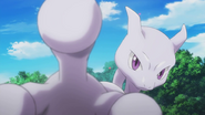 P16 Mewtwo deteniendo a Genesect