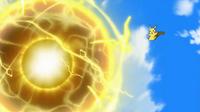 EP917 Pikachu usando bola voltio.png