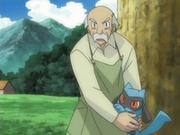 EP540 Anciano protegiendo a Riolu