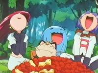 Archivo:EP255 Team Rocket con la comida.png