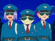 EP528 Team Rocket disfrazados de policías